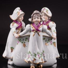 Композиция из фарфора Три девочки, вазочка, Ernst Bohne Sohne, Германия, нач. 20 в.